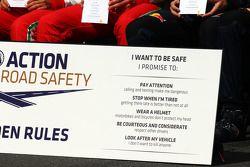 De coureurs horen over de Golden Rules road safety