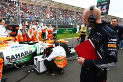Adrian Newey, Red Bull Racing Chief Technical Officer looks at the Sahara Force India F1 VJM06 on the grid