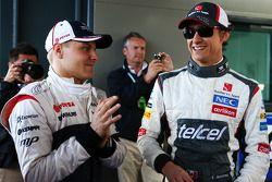(L to R): Valtteri Bottas, Williams with Esteban Gutierrez, Sauber