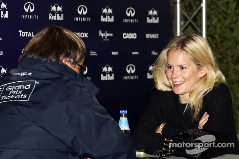 Hanna Prater - Sebastian Vettel'ın eşi