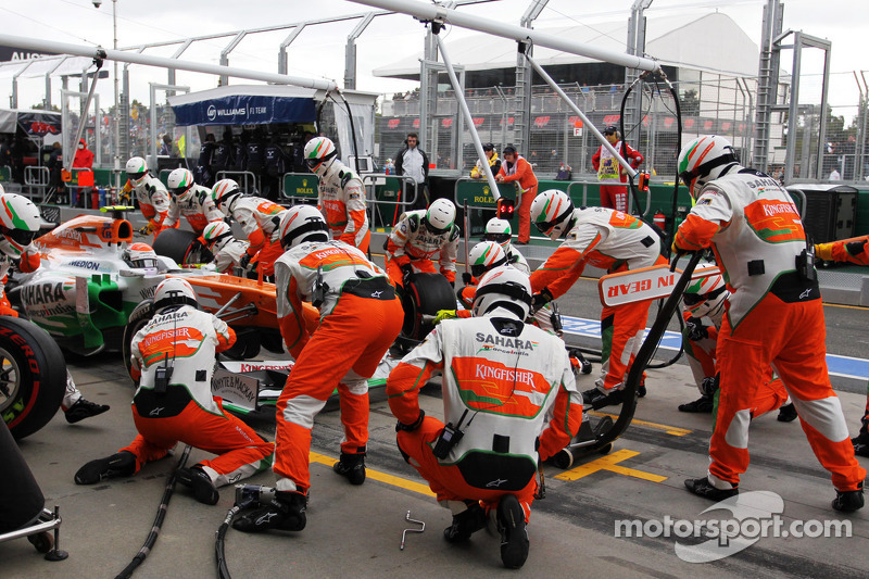 Adrian Sutil, Sahara Force India VJM06 maakt een pitstop