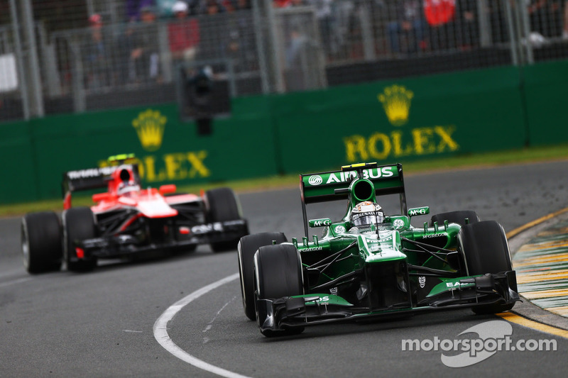 В чемпионате еще оставались Caterham и Marussia, за которые гонялись Шарль Пик и Гидо ван дер Гарде...