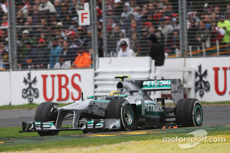 Corridas com a mesma equipe: Hamilton, 140 na Mercedes