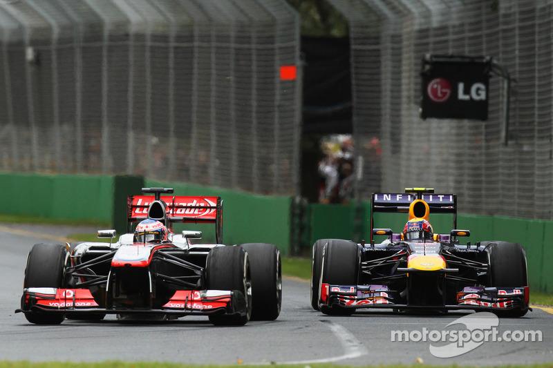 На эту гонку Pirelli привезла шины Medium и SuperSoft. Уже под конец квалификации последние начали пузыриться, поэтому первые пит-стопы последовали довольно рано. Первым уже на пятом круге шины сменил Баттон, а Феттель остановился спустя два круга после британца