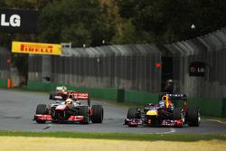 Sergio Pérez, McLaren MP4-28 et Sebastian Vettel, Red Bull Racing RB9