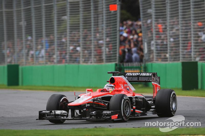 Em sua primeira corrida, Bianchi saiu da 19º posição do grid e terminou em 15º em Melbourne.