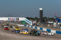 Largada: #9 RSR Racing Oreca FLM09 Oreca: Bruno Junqueira, Alex Popow, Eddie Lawson e #01 Extreme Sp