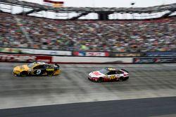 Marcos Ambrose, Richard Petty Motorsports Ford, Greg Biffle, Roush Fenway Racing Ford