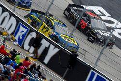 Ricky Stenhouse Jr., Roush Fenway Racing Ford, Kurt Busch, Furniture Row Racing Chevrolet