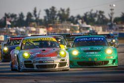#45 Flying Lizard Motorsports Porsche 911 GT3 Cup: Nelson Canache, Spencer Pumpelly, Brian Wong, #17