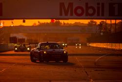 #30 NGT Motorsport Porsche 911 GT3 Cup: Henrique Cisneros, Marco Seefried, Sean Edwards
