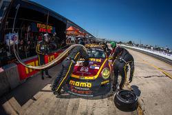 Pit stop for #30 NGT Motorsport Porsche 911 GT3 Cup: Henrique Cisneros, Marco Seefried, Sean Edwards