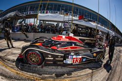 Pit stop #13 Rebellion Racing Rebellion Lola B12/60 Toyota: Mathias Beche, Congfu Cheng, Andrea Beli