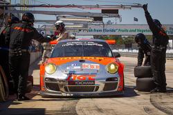 Pit stop for #31 NGT Motorsport Porsche 911 GT3 Cup: Carlos Gomez, Mario Farnbacher, Jakub Giermaziak