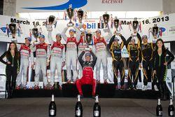 P1 pódio: class e vencedor geral Marcel Fässler, Benoit Tréluyer, Oliver Jarvis, segundo colocado Lu