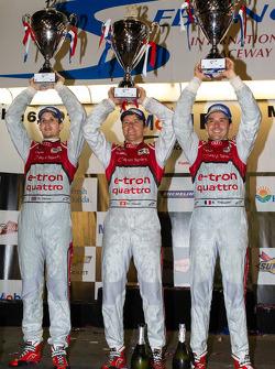 P1 podium: class and overall winner Marcel Fässler, Benoit Tréluyer, Oliver Jarvis