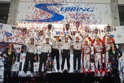 P2 podium: class winners Scott Tucker, Marino Franchitti, Ryan Briscoe, second place Ryan Hunter-Reay, Simon Pagenaud, third place Tom Kimber-Smith, Christian Zugel, Eric Lux