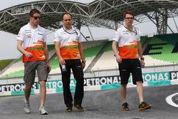 Paul di Resta, Sahara Force India F1 walks the circuit with Gianpiero Lambiase, Sahara Force India F1 Engineer