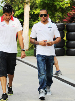 Rodolfo Gonzalez, Marussia F1 Team Reserve Driver with Lewis Hamilton, Mercedes AMG F1