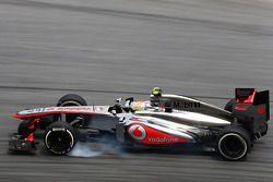 Sergio Perez, McLaren MP4-28 trava na freada