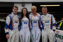 MG KX Momentum Racing coureurs Jason Plato en Sam Tordoff