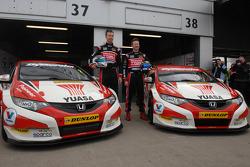 Honda Yuasa Racing Gordon Shedden en Matt Neal