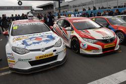 MG KX Momentum Racing en Honda Yuasa Racing