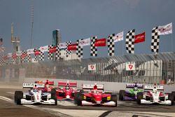 Largada: Jack Hawksworth, Schmidt Peterson Motorsports overtakes Carlos Munoz, Andretti AutoSport