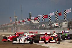 Largada: Jack Hawksworth, Schmidt Peterson Motorsports e Carlos Munoz, Andretti AutoSport disputam