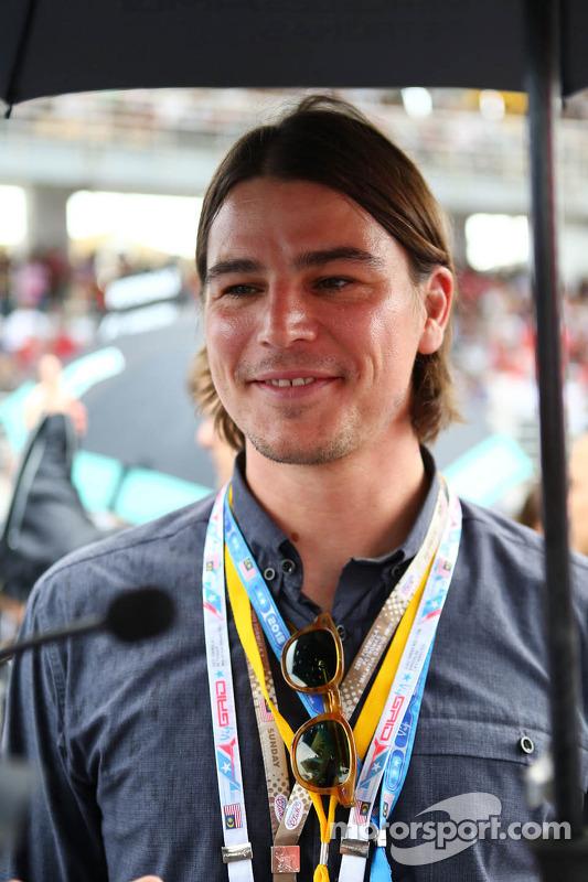 Josh Hartnett, ator, no grid