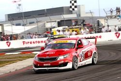 Mark Wilkins, Kinetic/Kia Racing/Russell Smith/Kia Motors America/Kia Optima