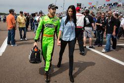 James Hinchcliffe, Andretti Autosport Chevrolet with his girlfriend Kirsten Dee