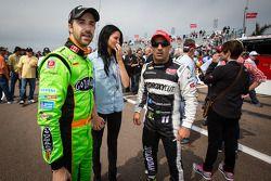 James Hinchcliffe, Andretti Autosport Chevrolet met zijn vriendin Kirsten Dee en Tony Kanaan, KV Rac