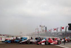 Inicio: Alex Tagliani, Bryan Herta Autosport con Curb-Agajanian Honda, James Jakes, Rahal Letterman