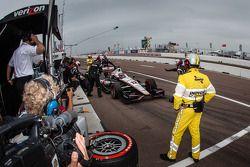 Will Power, Team Penske Chevrolet, nos boxes