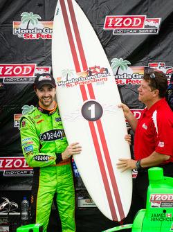 Podium: race winner James Hinchcliffe, Andretti Autosport Chevrolet