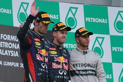 Podio: ganador de la carrera Sebastian Vettel, Red Bull Racing, Mark Webber, Red Bull Racing el segu