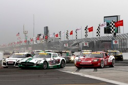 Tim Pappas, Black Swan Racing/Mercedes-Benz SLS GT3 brigando com Jeff Courtney, JCR Motorsports/TruS