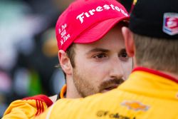 Victory circle: race winner James Hinchcliffe, Andretti Autosport Chevrolet gets a hug from Ryan Hun