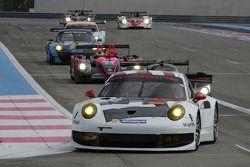 #91 Porsche AG Team Manthey Porsche 911 RSR: Jörg Bergmeister, Patrick Pilet, Timo Bernhard