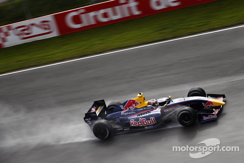 "2012-2013: <img src=""https://cdn-3.motorsport.com/static/img/cfp/0/0/0/100/173/s3/portugal-2.jpg"" alt="""" width=""20"" height=""12"" />Аntonio Felix da Costa"