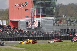 Даниэль Кайльвиц и Никлас Кентених. Ногаро, воскресная квалификационная гонка.