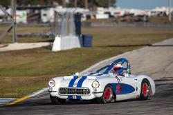 #99 1957 Chevrolet Corvette: Bob Wechsler, Ric Rivette