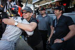 GTC pole Andy Lally celebra com Patrick Dempsey e Joe Foster