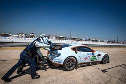 #007 Aston Martin Racing Aston Martin Vantage V8