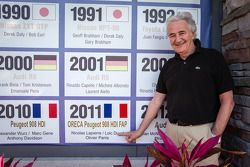 ORECA boss Hugues de Chaunac commemorates his win in 2011 no Sebring International Speedway muro dos