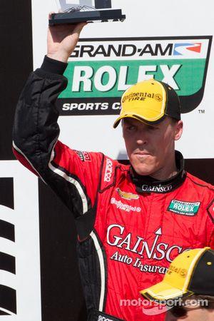 Victory lane: 2e plaats Alex Gurney