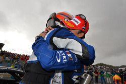 GT500 racewinnaars Takuya Izawa en Takashi Kogure