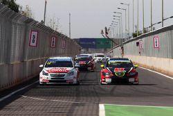 Yvan Muller, Chevrolet Cruze 1.6T, RML, e Robert Huff, SEAT Leon WTCC, ALL-INKL.COM Munnich Motorspo