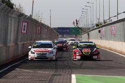 Yvan Muller, Chevrolet Cruze 1.6T, RML et Robert Huff, SEAT Leon WTCC, ALL-INKL.COM Munnich Motorsport